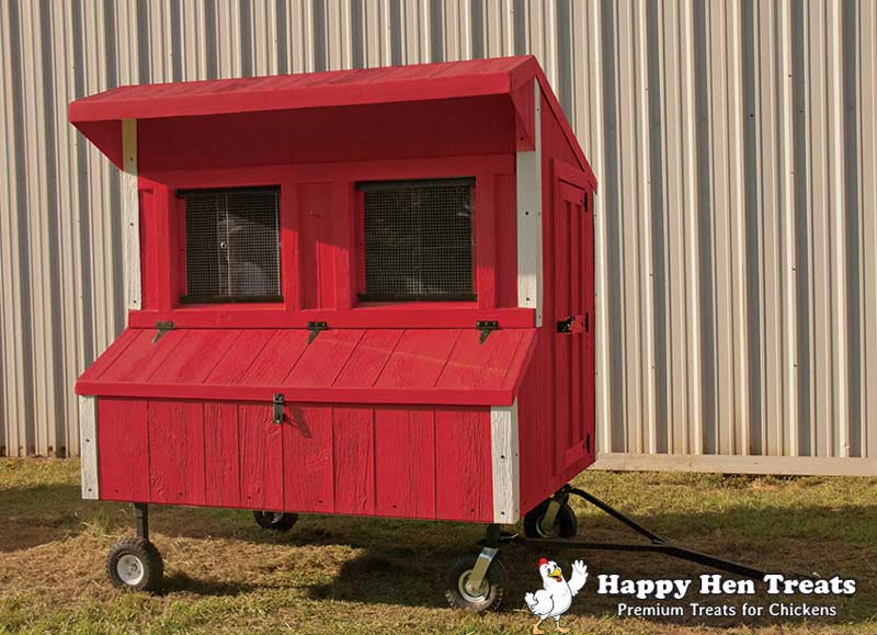 Grand Prize Deluxe Coop from Happy Hen Treats